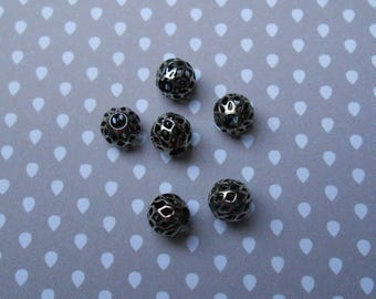 set of 6 perforated metal silver plated 8 mm beads