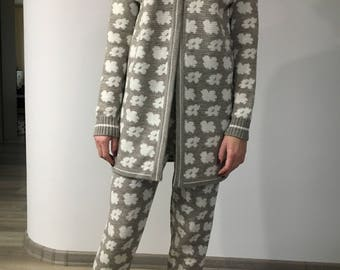 Knitted Costume, Knitted Women's Suit