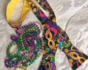 Just in time for MARDI GRAS handmade self tie bow tie