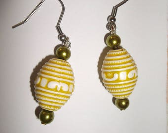 olive yellow earring