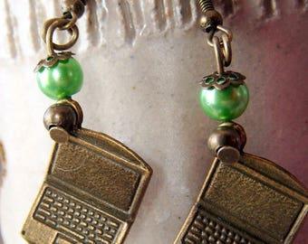 "fun earrings ""notebook"" bronze, green and bronze beads"