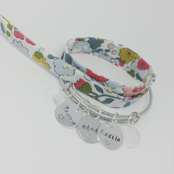 """Custom order in ore. LY: 2 personalized Bracelets: 1 sparkly ring featuring a """"SIMPLY"""" 4 custom prints and 1 link Liberty - Palilo"""