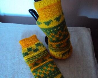 Fingerless gloves knitting pattern from 8 years