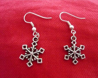 Snowflakes silver plated earrings