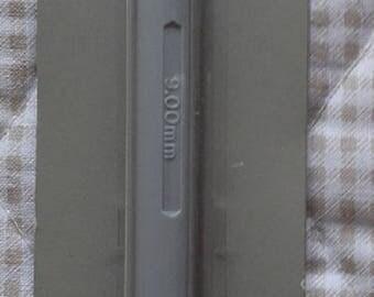 CROCHET plastic number 9 - 15cm length
