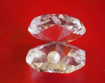 Crystal Oyster Shell with Pearl
