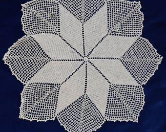 Vintage Crochet - Poinsettia Doilies - Set of 3