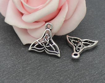 x 4 charms in antique silver whale tail