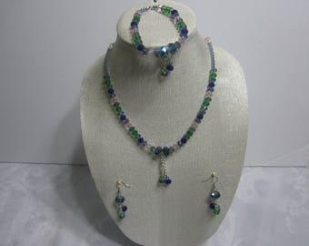 Handmade peridot and glass beads necklace set