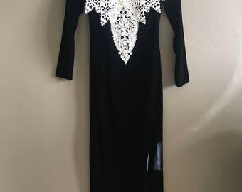 Vintage Jessica McClintock Size 4 Off the Shoulder Black Velvet Gown