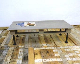 Coffee table in wood and iron