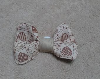 Fabric dog bow tie. Medium dog collar. Beige taupe faux suede and teddy bear hearts