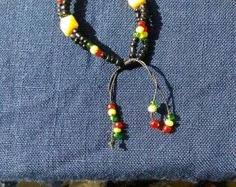 Beaded Bracelet in Rasta Colors, Bracelet Perle Africain, Bracelet, Tribal Bracelet, Gift for Her, Gift for Rasta, Gift for Reggae Fan