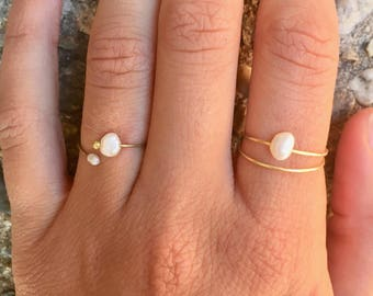 Delicate Pearl Ring Set/Genuine Freshwater Pearl Stacking Rings/Gold Wire Wrapped Ring/Gift for Sister/Birthday Gift for Her/Bridesmaid Gift