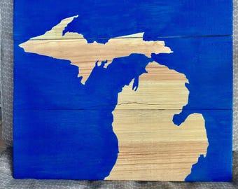 Pallet wood Michigan state sign