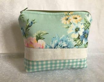 Vintage Floral Makeup Bag