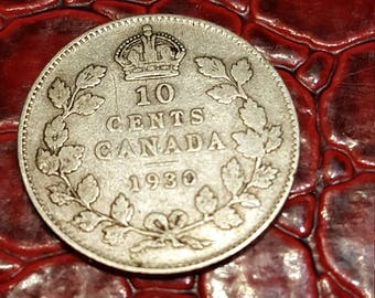 Canada George V 1930 Silver Ten Cents - VG+