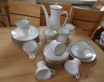 Timeless Elegant Coffee Service for 10 people, with coffee pot, milk jug and sugar bowl. Rosenthal
