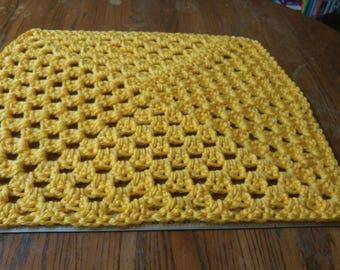 Pet Cuddle - Yellow