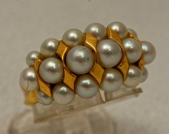 Ring gold and pearls