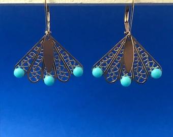 Earrings Golden dantelles and cabochons