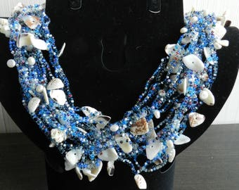 Jewelry necklaces, Czech beads Czech glass fishing line, pearls and shells in the manufacture of this necklace