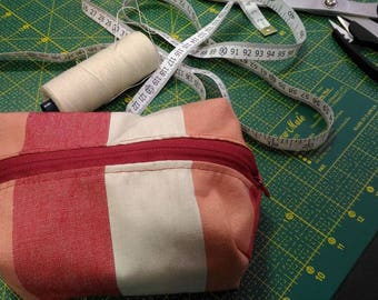 Fabric bag with zipper