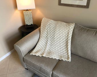 Cream Simple Shell Pattern Afghan