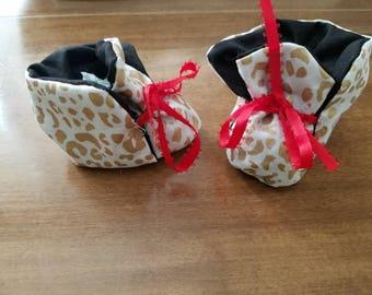 Golden leopard baby shoes
