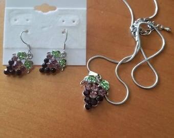 Wine jewelry grapevine set