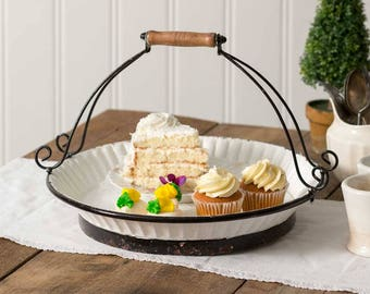 Farmhouse Cake Carrier with Handle