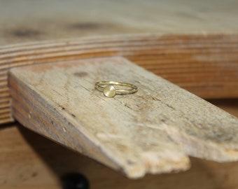 "Soft ring ""circle"" made of massive 585 yellow gold"