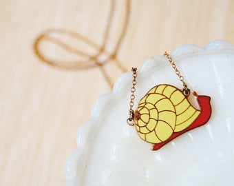 vintage enamel sweet snail necklace- vintage brass- woodland whimsy