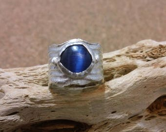 Fine Silver Blue Cats Eye Gemstone Ring 4.5 US Wide Band