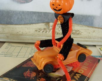 Pipe Cleaner Jack O' Lantern Figure / Vintage Craft Supplies / Driving a Car / Vintage Style / Halloween