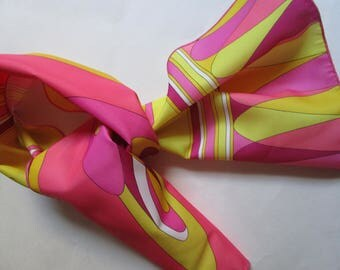 French Roger Gallet Authentic Vintage 1960s Paris Groovy Pop Art Scarf Pink Yellow
