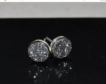 Druzy stud earrings, Silver Earrings, Quartz Titanium Druzy beads, Sterling Silver, 8mm stone, Gemstone Earrings, Stud Post Earrings