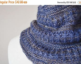 First Fall Sale - 15% Off Miniature Moon Scarflette--Hand Knit Mini-Scarf in Soft Wool. Headwrap, Mini Neckerchief, Button Cowl, 100 Percent