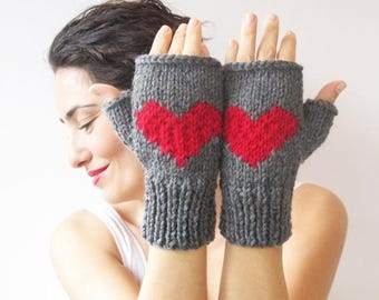 20% WINTER SALE Christmas Gift Fingerless Gloves - Dark Gray - Red