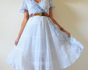 SALE SECTION / 50% off Vintage 70s Baby Blue Floral Calico Chambray Shirt Waist Circle Dress (size xs, small)