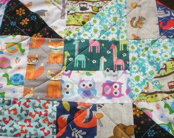 Scrap Baby Quilt, I Spy Quilt, Baby boy quilt, Baby gir bedding, Patchwork crib quilt, Rustic, Animals, Bright colors, Toddler, Scrap Rails