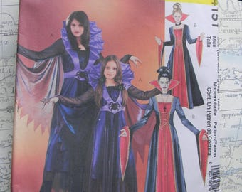 Women's Evil Witch, Sorcerer, Vampire Cape Costume Pattern # M4151  Uncut