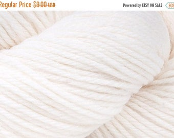 ON SALE White Cascade 220 Yarn 220 yards 100% Peruvian Highland Wool color 8505
