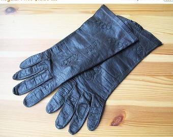 25% Off Sale 60's Aris Black Leather Leaf Applique Wrist Length Gloves, Size Small, 6.5
