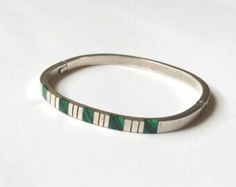 Vintage malachite cuff bangle bracelet Mexico 925 sterling silver modern minimalist green gem