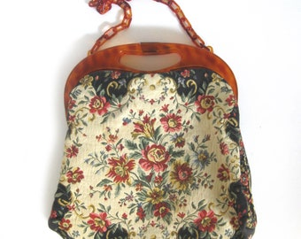 Floral Tapestry Evening Bag Made in France / Floral Clutch / Fifties Vintage Hand Made Tapestry Purse / Tortoise Chain Link Handle and Frame