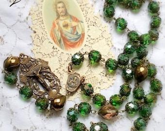 Grand chapelet style ancien en cristal vert et bronze