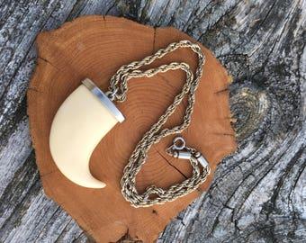 Italian Horn Lucite Plastic Gold Tone Necklace