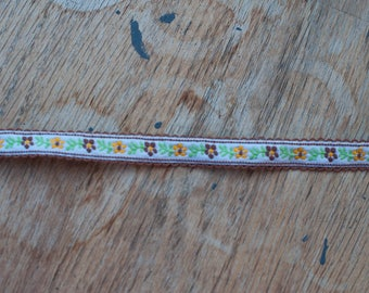 2 yards Sweet Floral Embroidered Vintage Trim- Yellow Brown Daisies 60s 70s New Old Stock Dolls