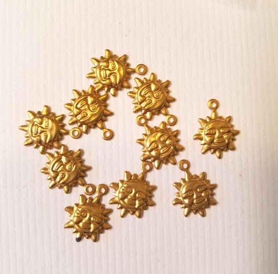 10 vintage sun face metal charms brass gold tone sun charms lot celestial fantasy 10mm jewelry findings